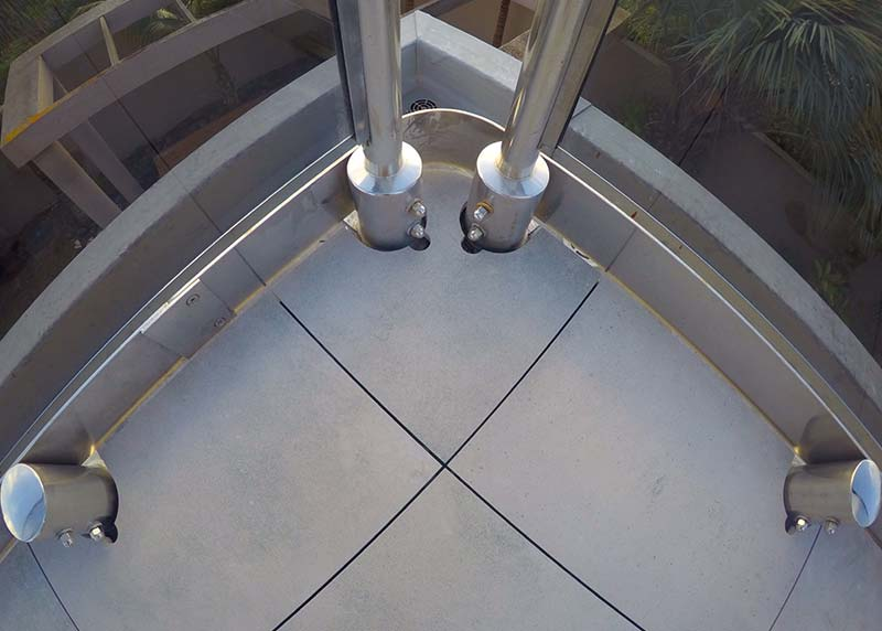 This Tile to balustrade detail is perfect,